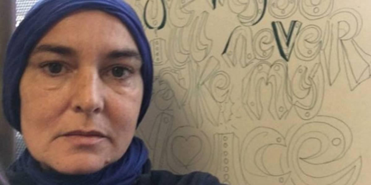 Após conversão ao islamismo, Sinead O'Connor diz que não convive mais com 'brancos'