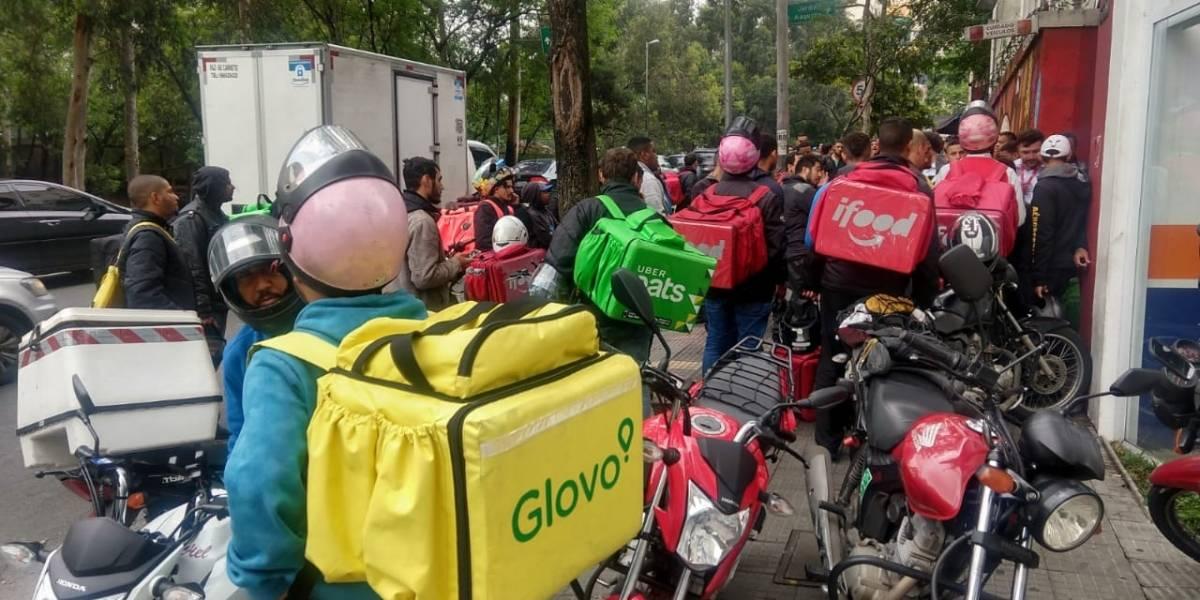 Motociclistas ocupam avenida Rebouças durante ação promocional