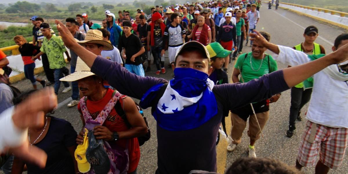"""Migrantes reciben CURP como parte del plan """"Estás en tu casa"""""""