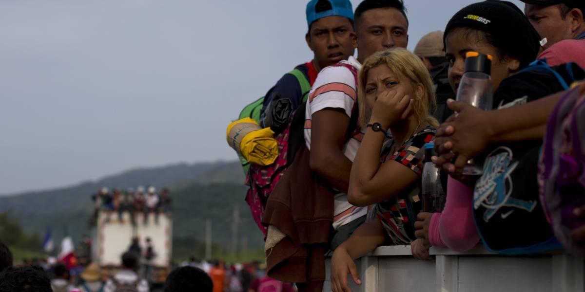 México: Suspenden bloqueo a caravana migrante