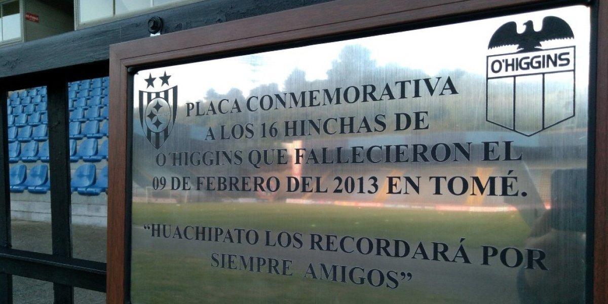 Tremendo gesto: Huachipato rindió homenaje con una placa en el CAP a los 16 hinchas fallecidos de O'Higgins