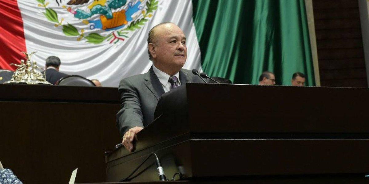 Ernesto Ruffo renuncia a su cargo en el PAN nacional