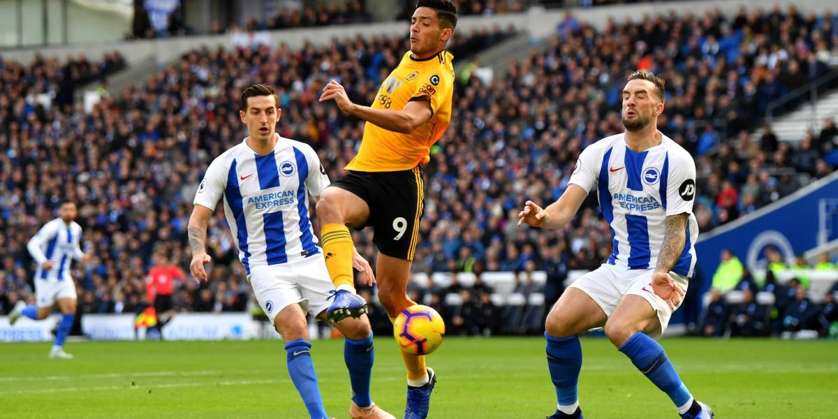 Raúl Jiménez y Wolverhampton perdieron ante el modesto Brighton