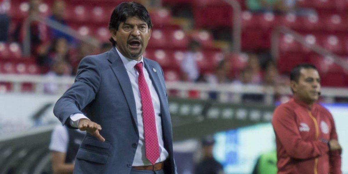 Chivas se disculpa con su afición por inminente eliminación