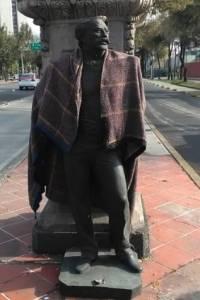 Detienen a sujeto por intentar robar estatua en Paseo de la Reforma