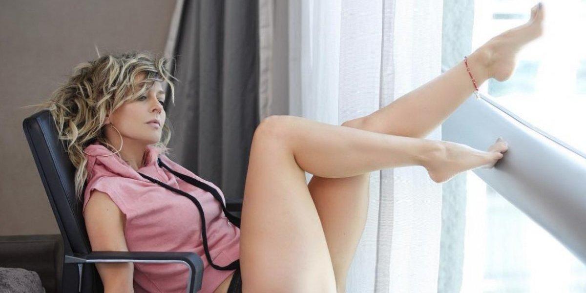 Fey impacta con ajustado y sensual atuendo