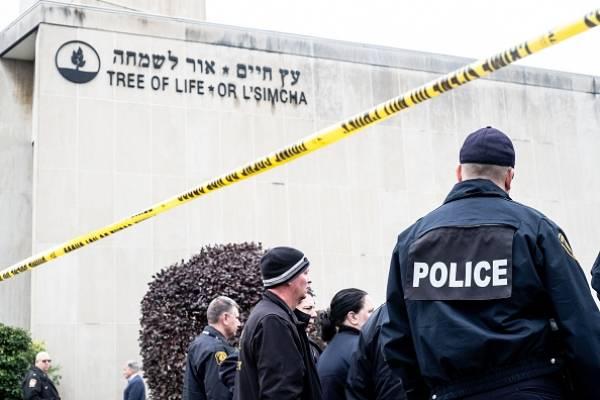 Once muertos y seis heridos deja tiroteo en una sinagoga en EE.UU.