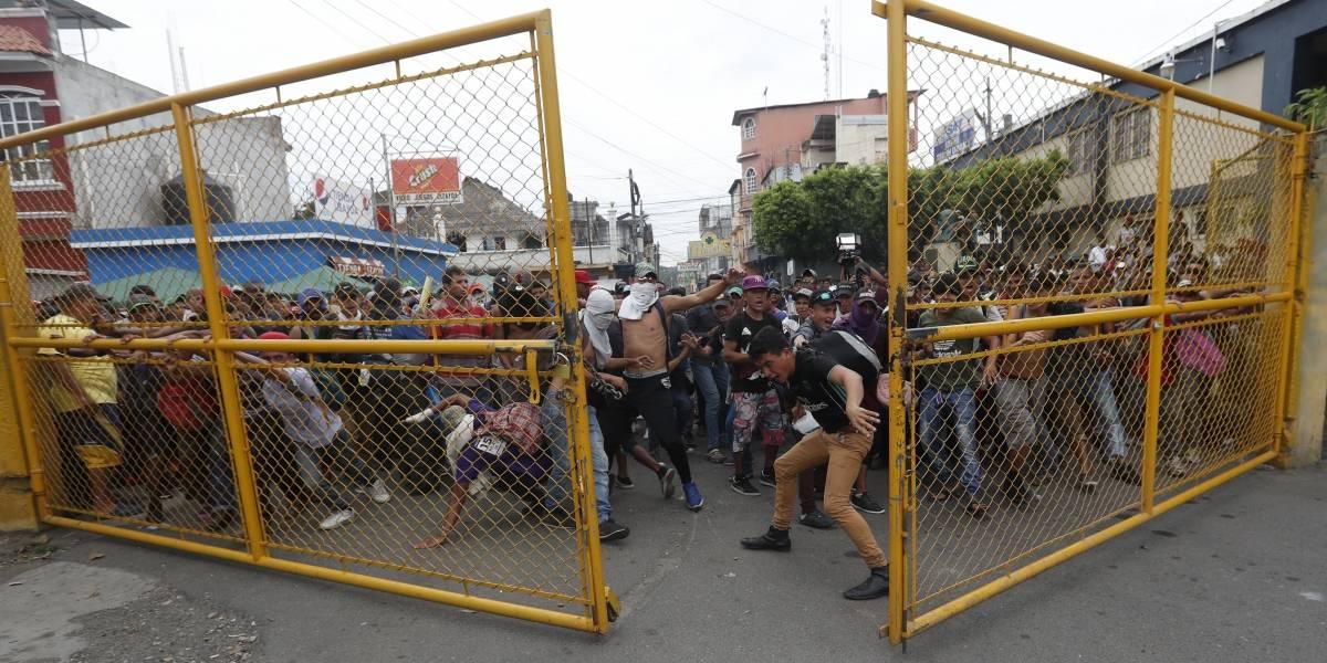 Migrantes dan portazo en frontera, buscan entrar a territorio mexicano