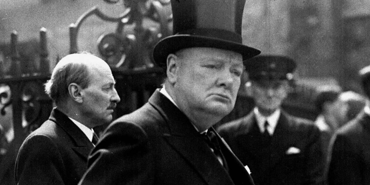 Quem foi Winston Churchill, cujo livro foi mostrado por Bolsonaro em pronunciamento