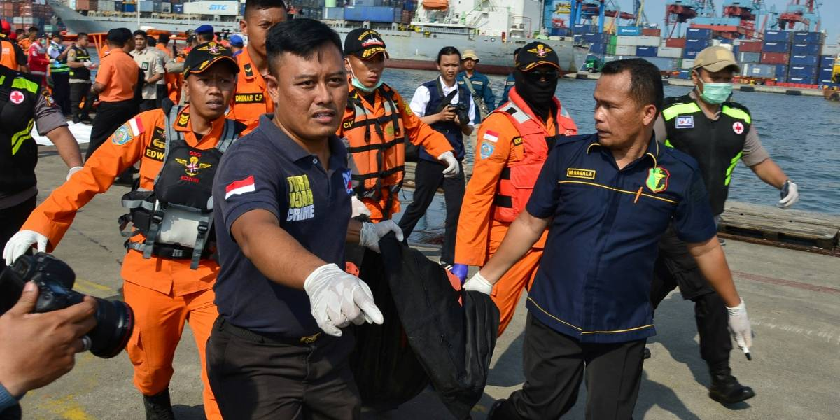 Piloto apontou problemas em avião que caiu na Indonésia horas antes de acidente