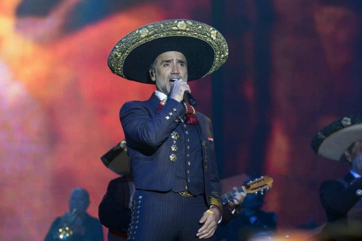 El cantante se presentó en Mexicali Instagram