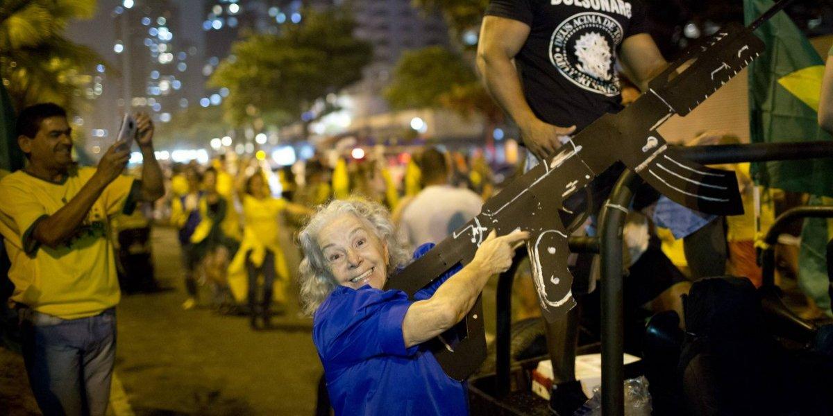 Los primeros efectos de la fiebre Bolsonaro: dos fabricantes de armas ponen sus ojos en Brasil
