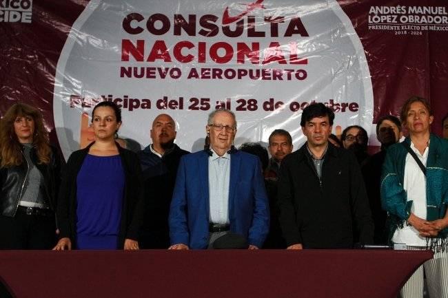 Calderón Alzati, a cargo de la implementación de la consulta ciudadana, dio a conocer los resultados de la Consulta sobre el Nuevo Aeropuerto Internacional de México, indicó que la mayoría de los participantes eligieron la opción en Santa Lucía. Foto: Notimex