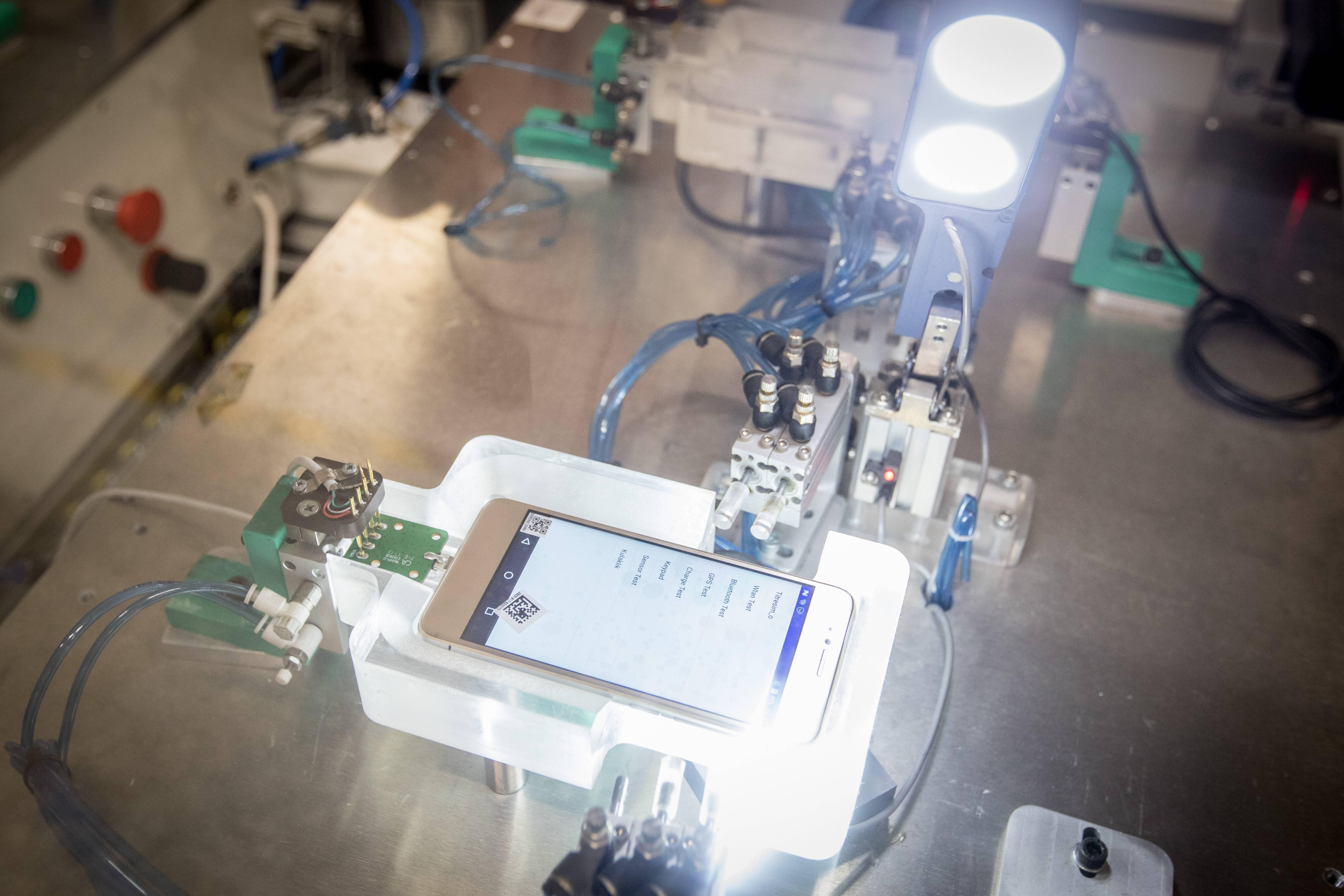 """""""El derecho a reparar"""", la polémica nueva ley estadounidense que permite a sus ciudadanos hackear sus propios dispositivos"""