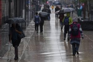 Potencial ciclónico al sur de las costas de Michoacán
