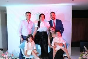 Familia Galindo Morales y Mar Segovia y su esposo Marco Antonio Rial