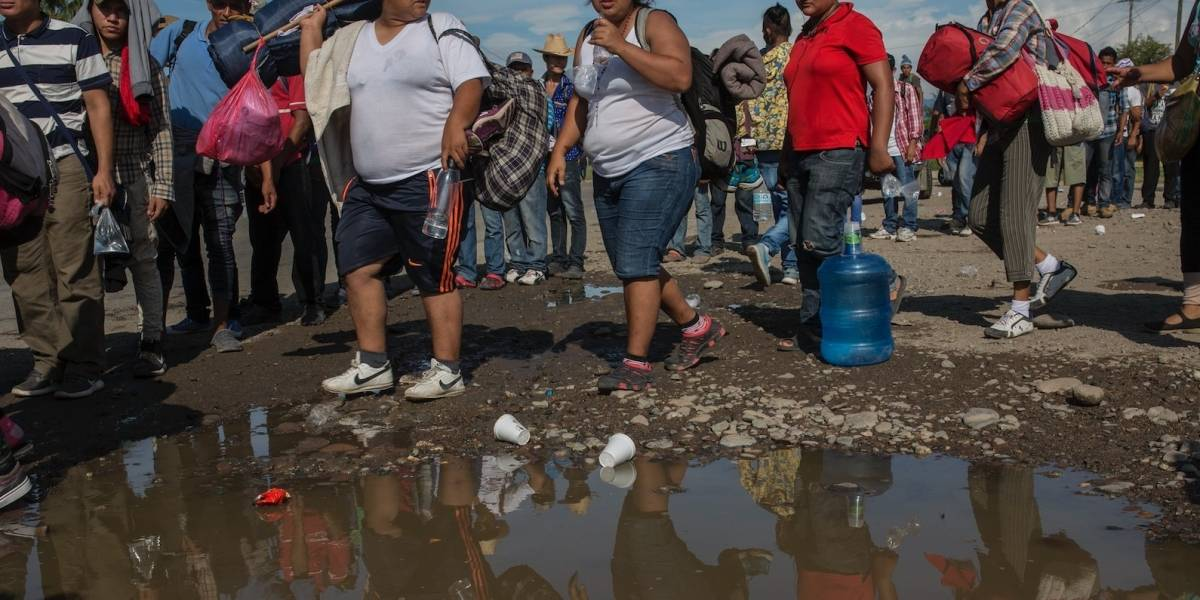 Ingresa segundo grupo de migrantes a México