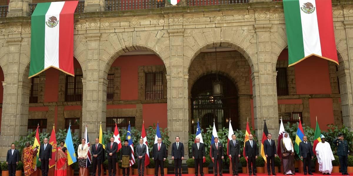 Recibe Peña Nieto cartas credenciales de 17 nuevos embajadores