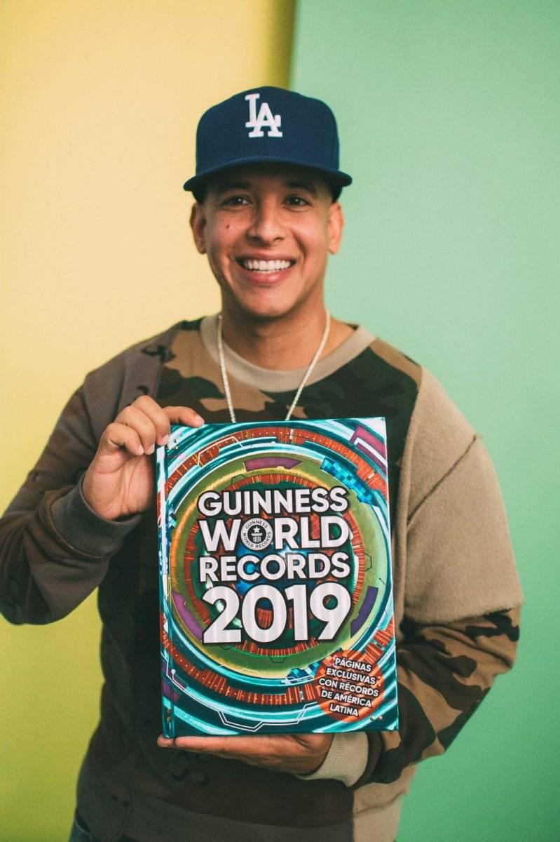 """Daddy Yankee recibe 10 récords Guinness por """"Despacito"""" y su éxito en Spotify"""