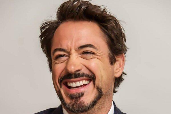 Robert Downey Jr. se ríe de los Vengadores de