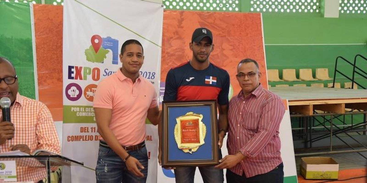 Distinguen a medallistas de Juegos Centroamericanos 2018