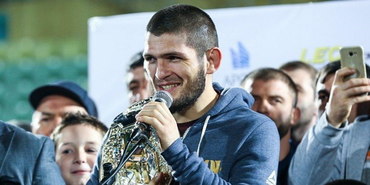 La pelea entre  Mayweather y Khabib podría ser en el octágono, según presidente de la UFC