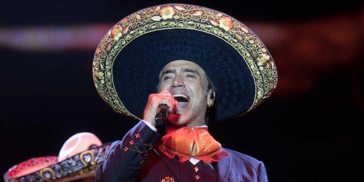 Alejandro Fernández deja fluir sus raíces mexicanas