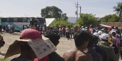 Primera caravana de migrantes se dirige a Juchitán