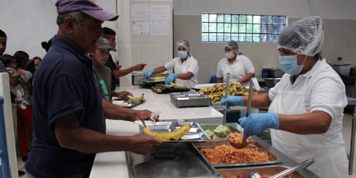 Jimmy Morales inaugura comedor social en Mixco