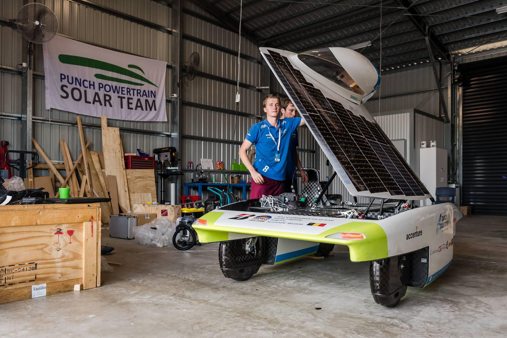 DHL auto solar