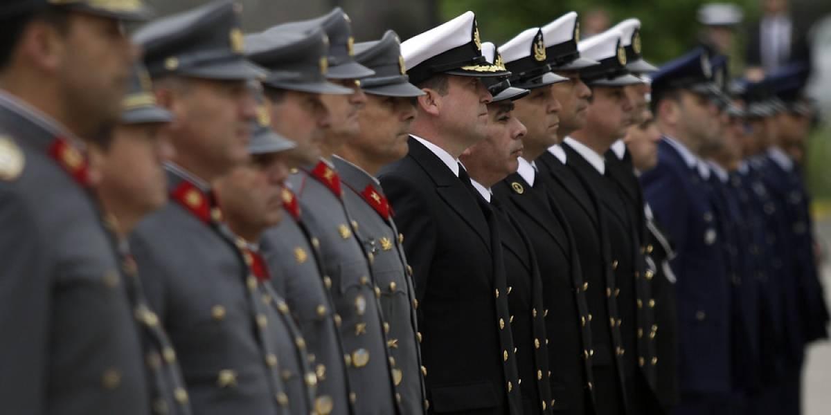 Las diferencias entre los sistemas de AFP y FFAA que motiva anuncio de Piñera sobre la carrera militar