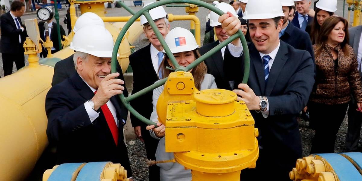 ¿Lo volverán a cortar? Argentina reinicia envío de gas natural a Chile por primera vez en una década