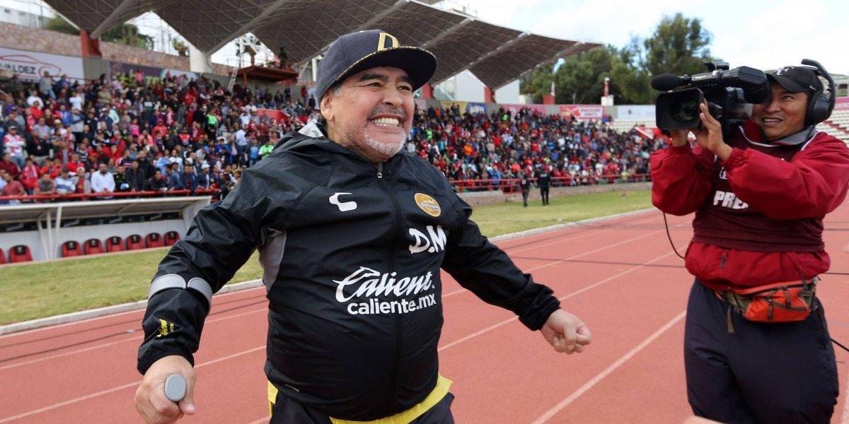 El mundo del futbol festeja a Maradona