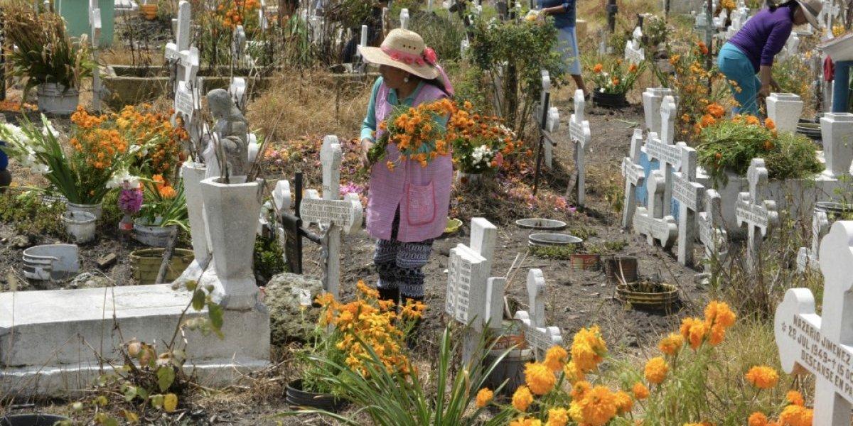 Más de 1,500 panteones se concentran en 5 estados de México