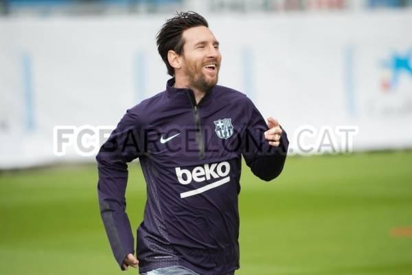 Lionel Messi vuelve a entrenarse