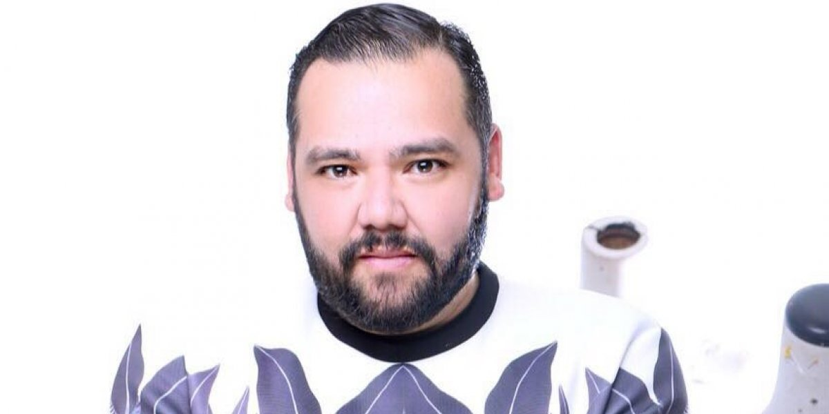 Benito Santos explora y experimenta con su creatividad