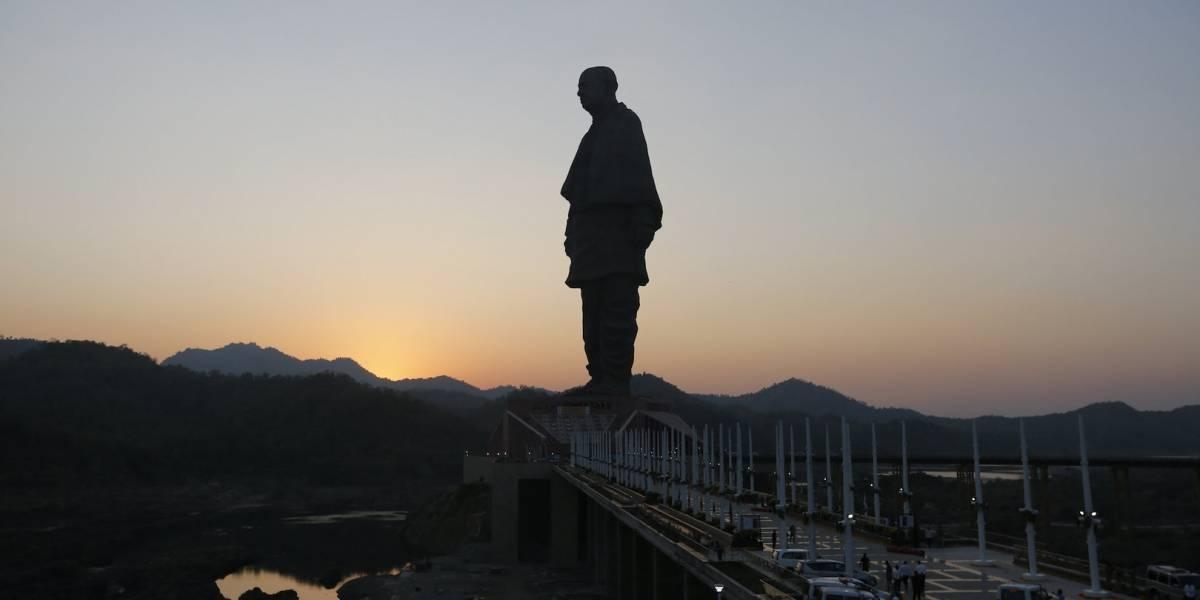 India inaugura la estatua más alta del mundo; mide 182 metros de altura