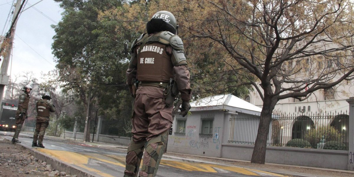 Tercer día consecutivo: encapuchados protagonizan incidentes al exterior del INBA