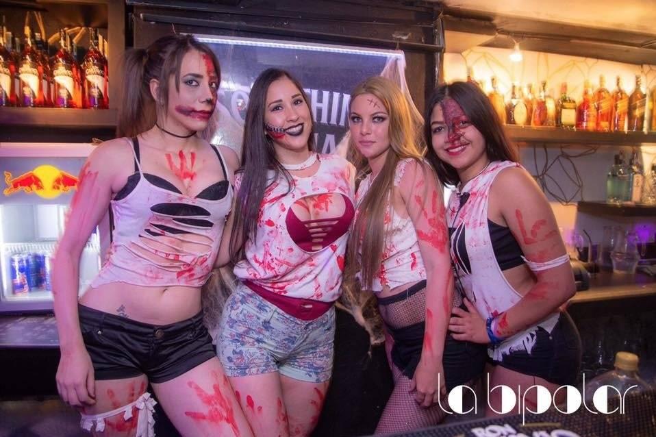 Chicas zombies y zipper face Tomado de La Bipolar UIO