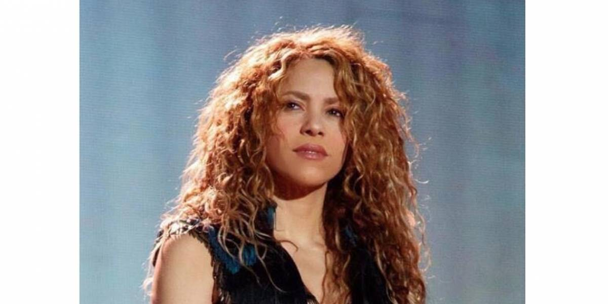 ¿Cómo es la relación de Shakira con sus hermanos?