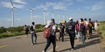 Migrantes piden un transporte digno para llegar a la Ciudad de México