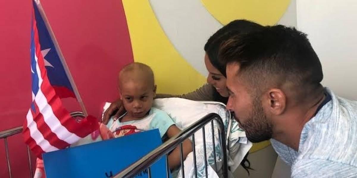Tommy Ramos y Yarishna visitan a los niños del Hospital Pediátrico