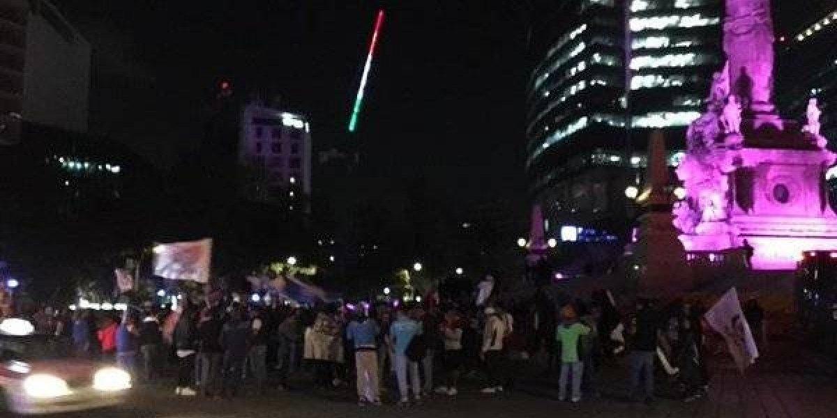 VIDEO: Afición del Cruz Azul festeja título de la Copa MX en el Ángel de la Independencia