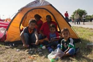 Cancelan transporte a migrantes