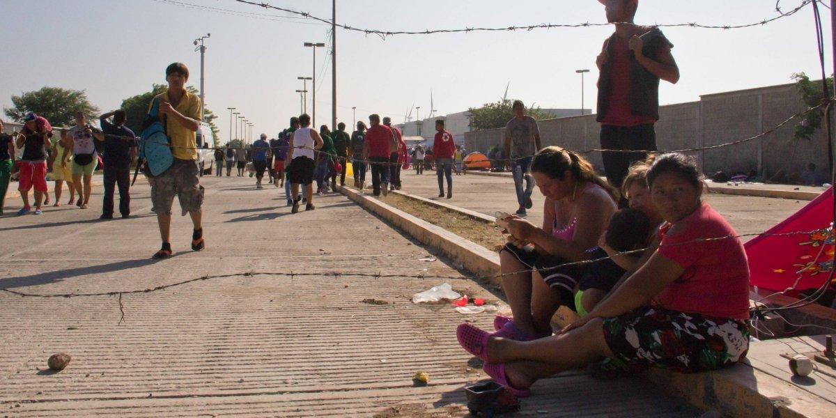 Cancelan transporte a migrantes; cambian ruta y pocos avanzan hacía Matías Romero