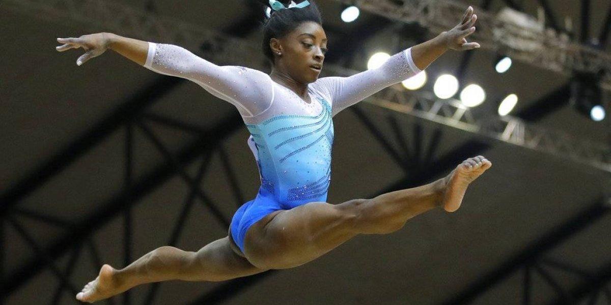 Simone Biles gana cuarto torneo mundial de prueba combinada