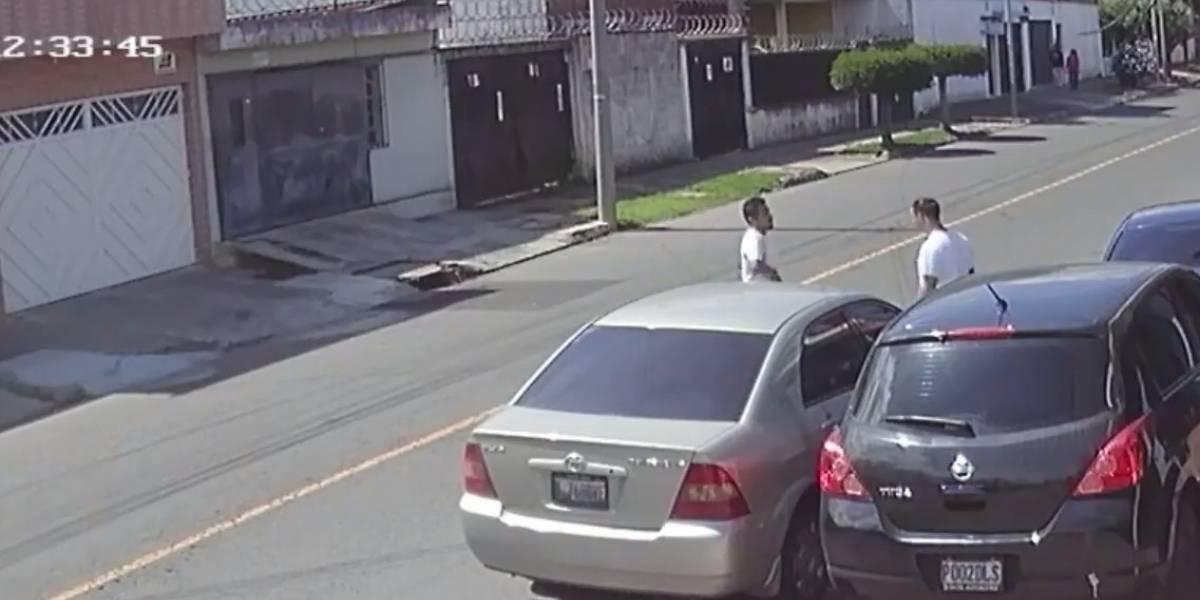 VIDEO. Difunden imágenes de un asaltante que opera en la zona 7