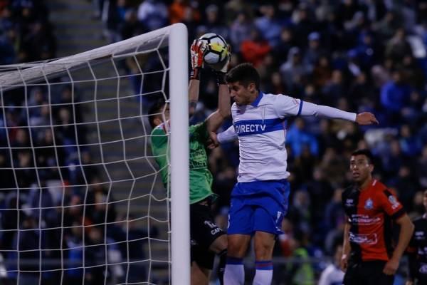 Benjamín Kuscevic fue titular en el empate sin goles entre la UC y Antofagasta en mayo pasado en San Carlos, en la última fecha de la primera ronda del Torneo / Foto: Agencia UNO