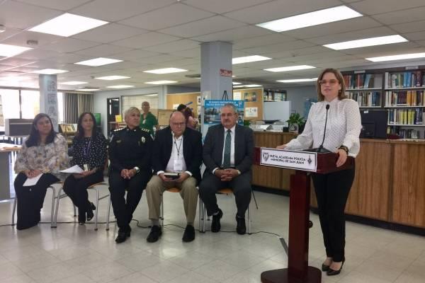 El costo por cadete sería de $8,000 anunció la alcaldesa Carmen Yulín Cruz. Foto: Wapa Radio