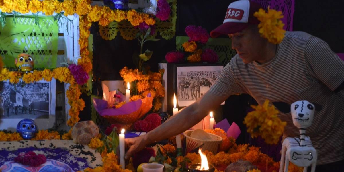 Con ofrendas monumentales rinden homenaje a Día de Muertos en V. Carranza